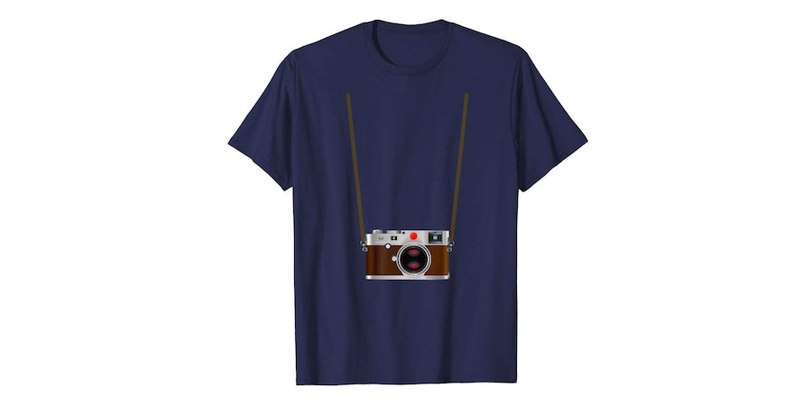 Camera Tourist T-Shirt (Photo: Amazon)