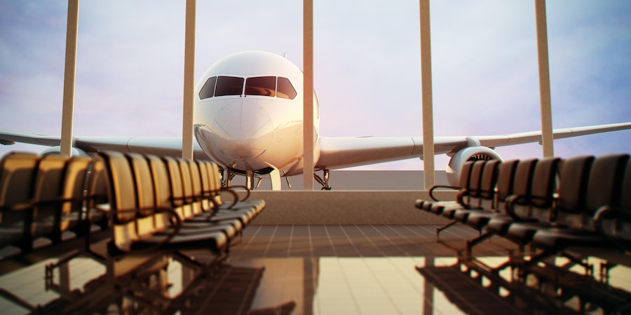 Fly in a day early to preempt possible airport delays (Photo: Dabarti CGI/Shutterstock.com)