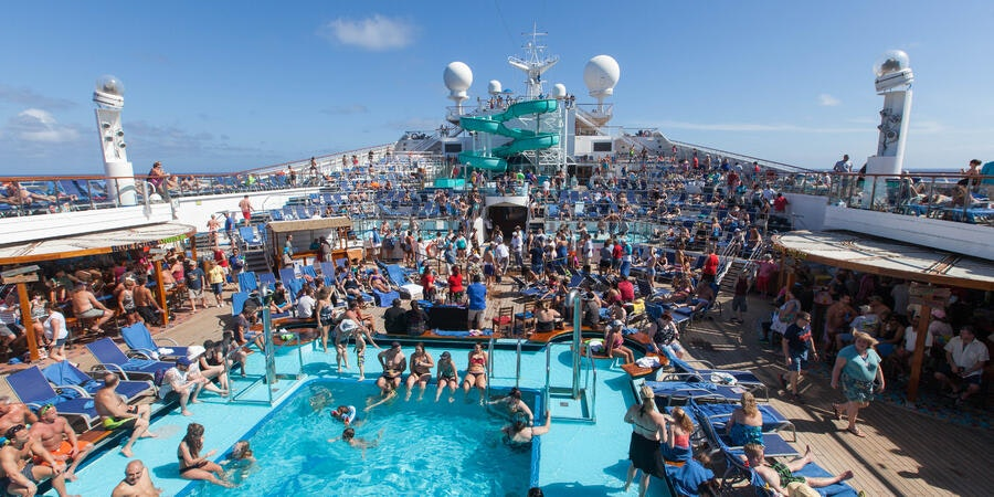 The Pool on Carnival Conquest (Photo: Cruise Critic)