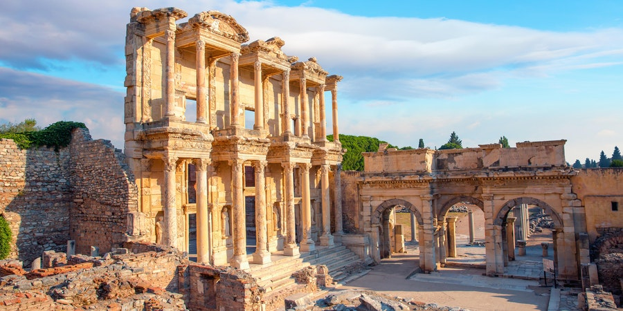 Celsus Library in Ephesus, Turkey (Photo: muratart/Shutterstock)