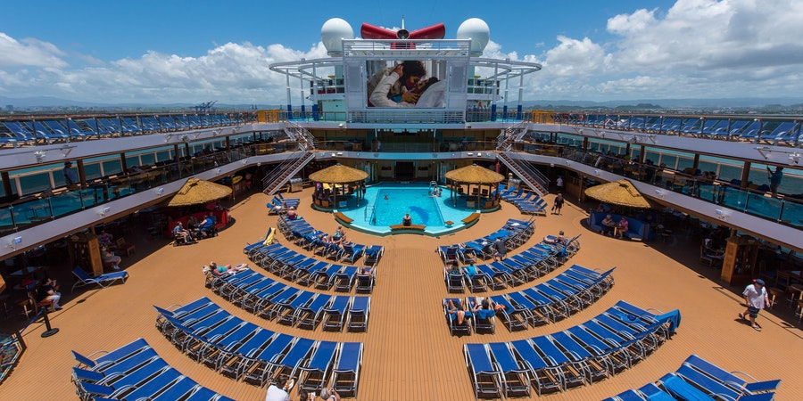 The Beach Pool on Carnival Horizon (Photo: Cruise Critic)