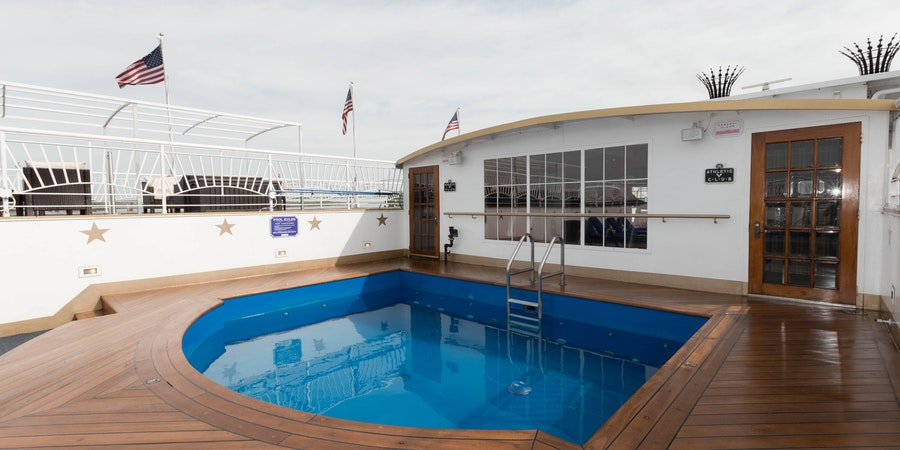 The Pool on American Queen (Photo: Cruise Critic)