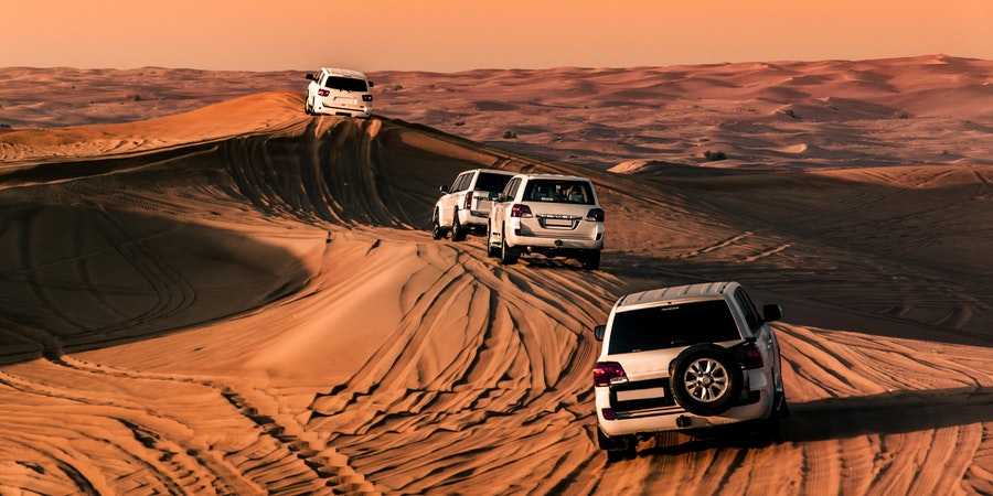 Dune Bashing in Dubai (Photo: cristian.v/Shutterstock.com)