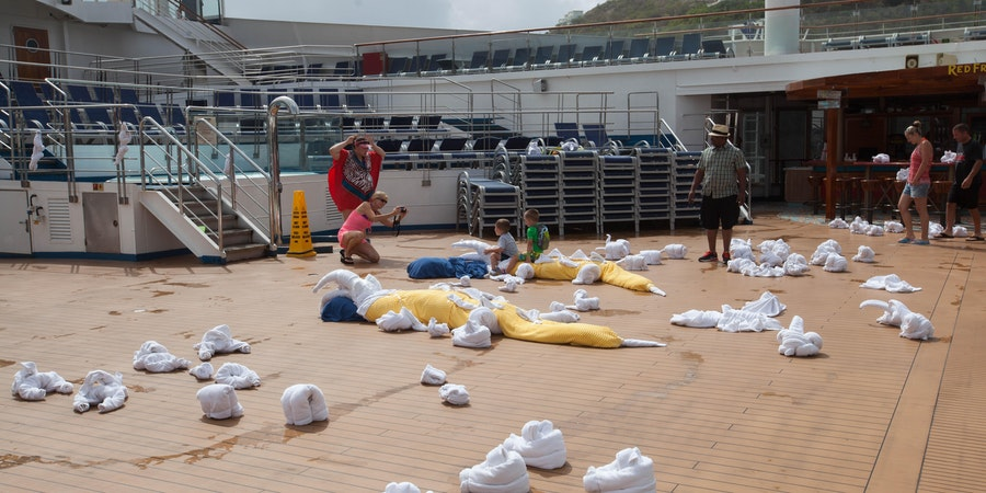 Towel animals on the pool deck (Photo: Cruise Critic)