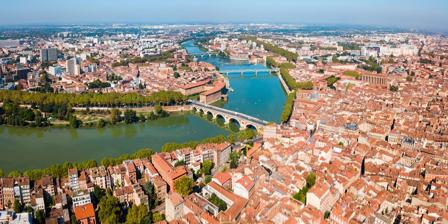 Toulouse and Garonne River, France (Photo: saiko3p/Shutterstock)