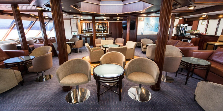 Lounge on National Geographic Islander (Photo: Cruise Critic)