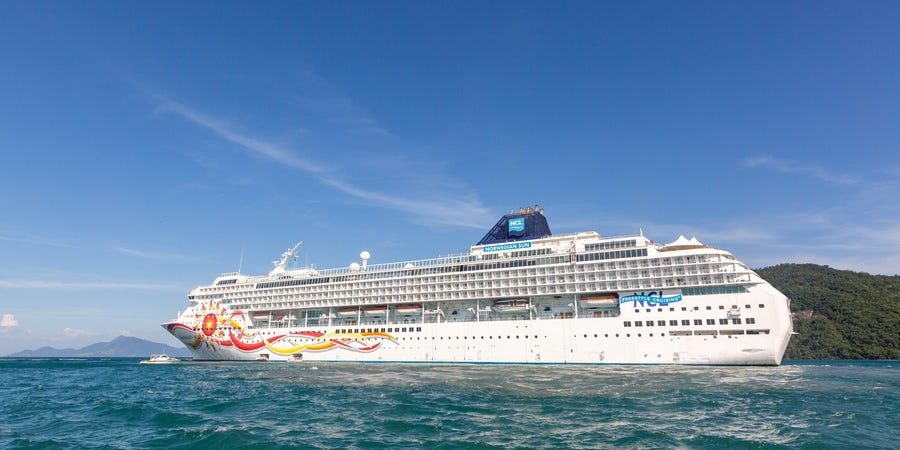 Norwegian Cruise Line Holdings Has No Plans to Sell Its Ships