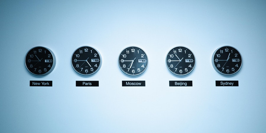 Time Zones (Photo: vtwinpixel/Shutterstock)
