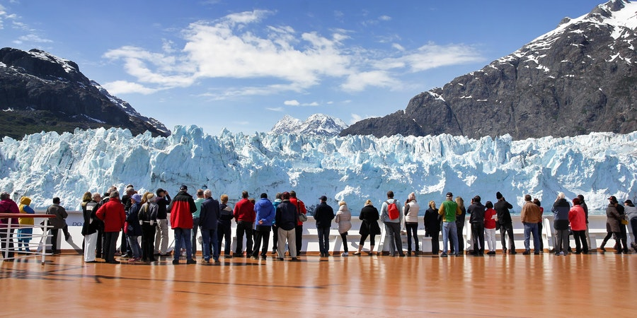 Cruise Passengers Watching Margerie Glacier, Alaska, USA (Photo: Pixeljoy/Shutterstock)