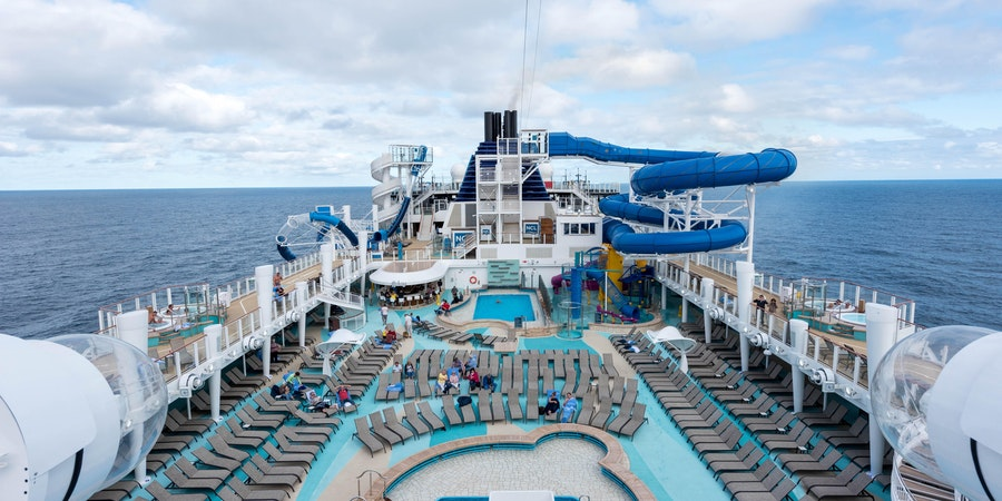 Main Pool on Norwegian Bliss