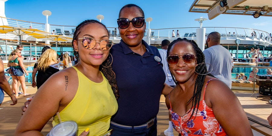 Passengers enjoying their time on the Grown & Sexy Cruise (Photo: Cruise Critic)