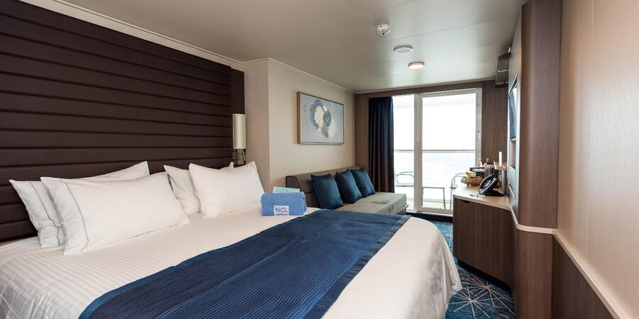 The Balcony Cabin on Norwegian Bliss (Photo: Cruise Critic)