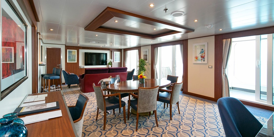 The Wintergarden Suite on Seabourn Ovation (Photo: Cruise Critic)