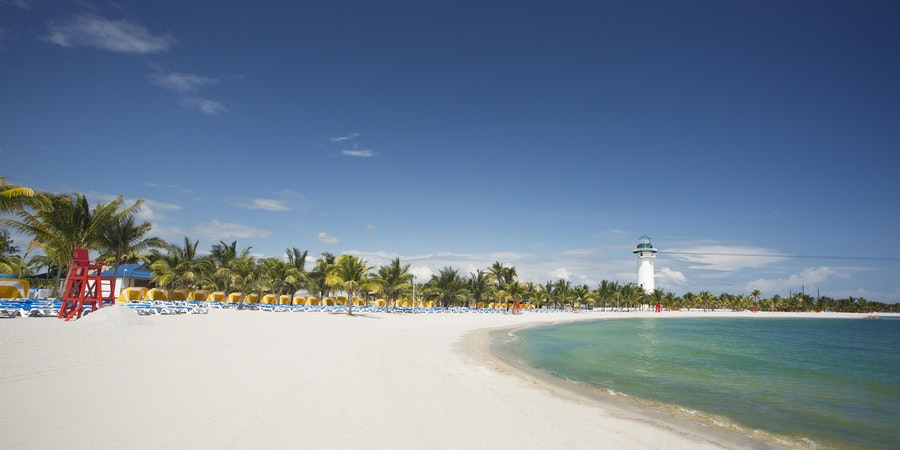 Harvest Caye Beach (Photo: Norwegian Cruise Line)