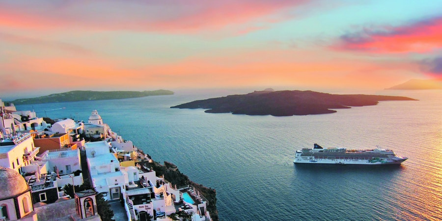 Norwegian Jade in Santorini, Greece (Photo: Norwegian Cruise Line)