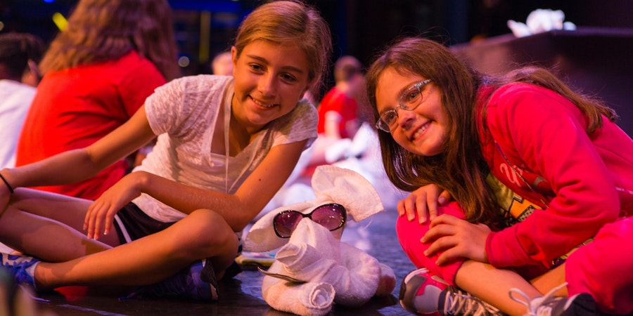 Children With Towel Animal (Photo: Carnival Cruise Line)