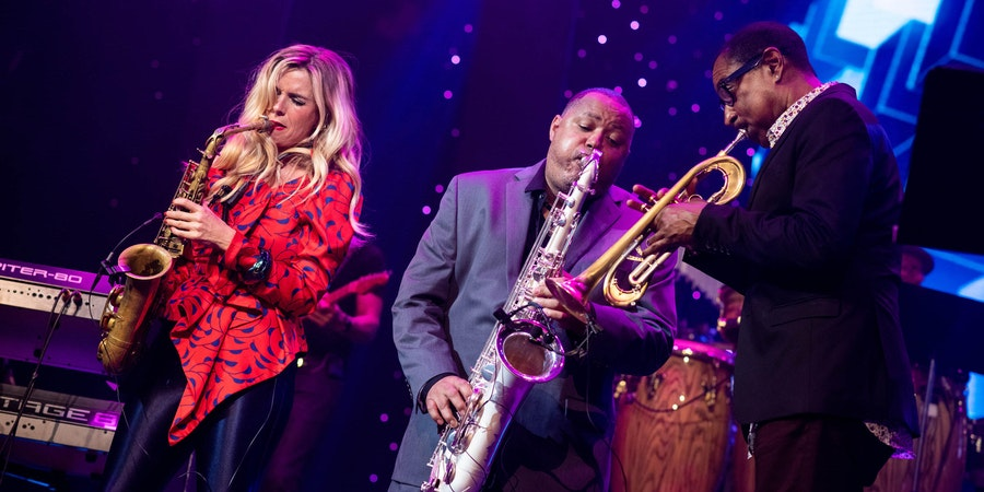 Najee and Candy Dulfer on The Smooth Jazz Cruise (Photo: The Smooth Jazz Cruise)