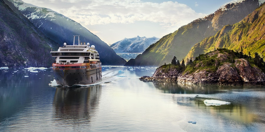 MS Roald Amundsen (Photo: Hurtigruten)