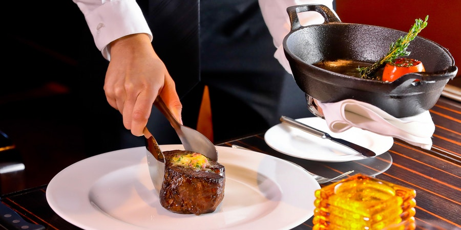 Main Course on Fahrenheit 555 (Photo: Carnival Cruise Line)