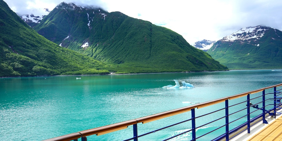 Sailing away from Hubbard Glacier, through Yakutat Bay, Alaska on a cruise ship (Photo: Sanja_K/Shutterstock)