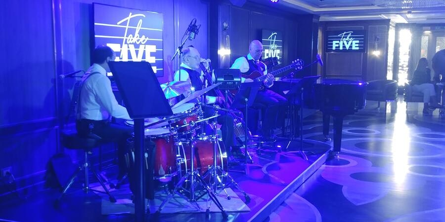 The Take Five Lounge on Sky Princess (Photo: Dori Saltzman/Cruise Critic)
