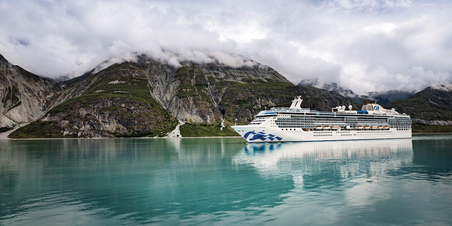 Island Princess in Glacier Bay, Alaska (Photo: Princess Cruise)