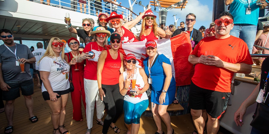 Passengers on the Ultimate Disco Cruise (Photo: Ultimate Disco Cruise)