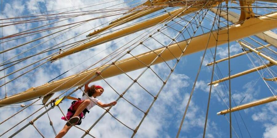Climbing the mast on Star Clipper (Photo: Star Clippers)