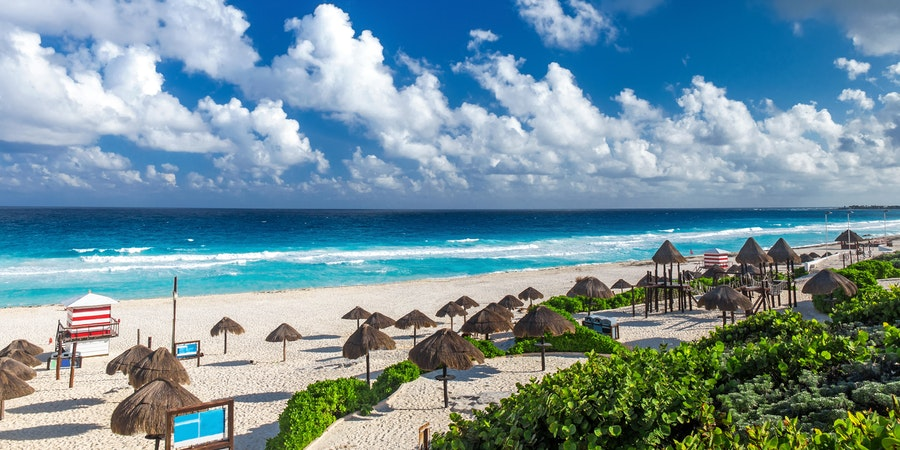 Playa Delfines, Cancun, Mexico (Photo: photopixel/Shutterstock)