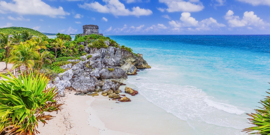 Mayan ruins overlooking a beach in Tulum, Mexico (Photo: emperorcosar/Shutterstock)