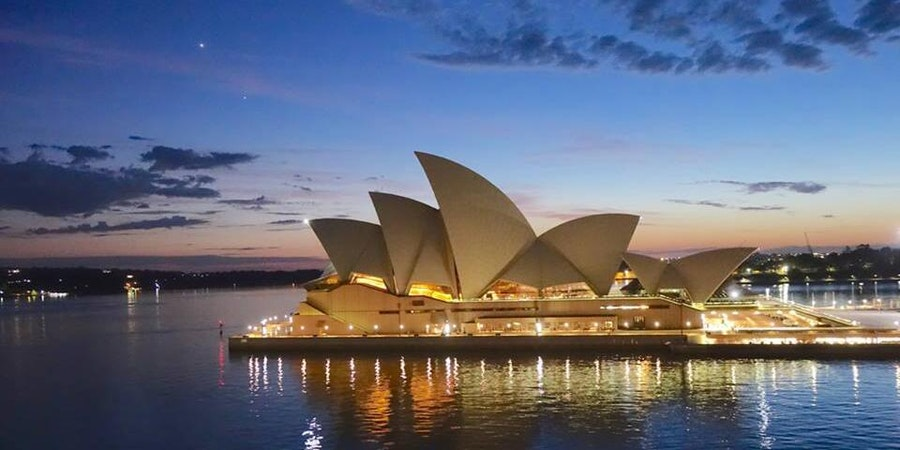 The Sydney Opera House at sail-away (Photo: Candidasa/Cruise Critic member)