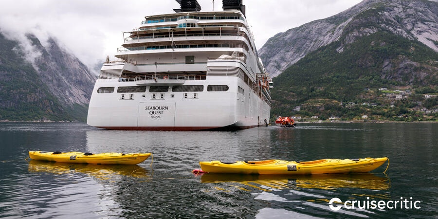 Zoom Background: Kayaking Tour on Seabourn Quest (Photo: Cruise Critic)