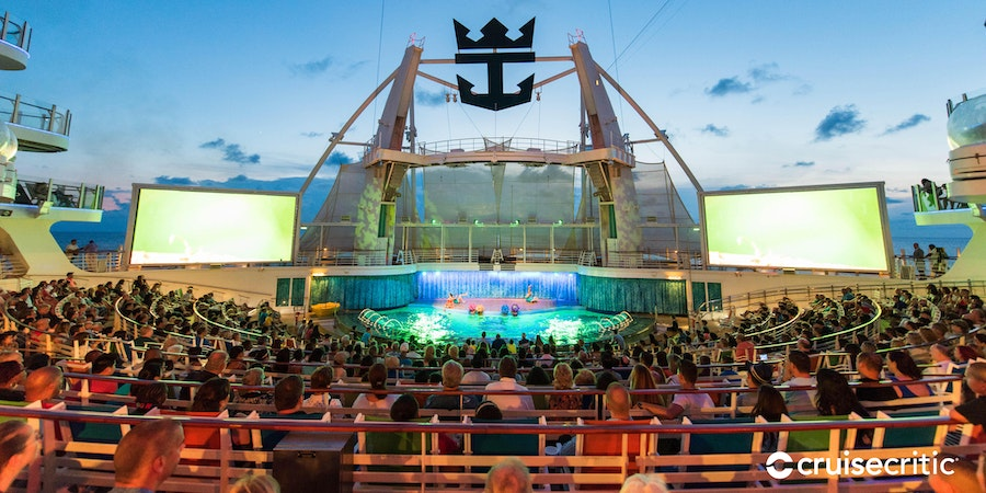 The AquaTheater on Oasis of the Seas (Photo: Cruise Critic)