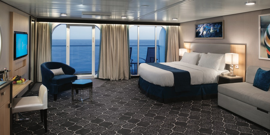 The Junior Suite on Symphony of the Seas (Photo: Royal Caribbean)