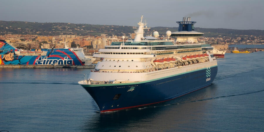 Sovereign departing Civitavecchia, the port for Rome, at sunset (Photo: Aaron Saunders/Cruise Critic)