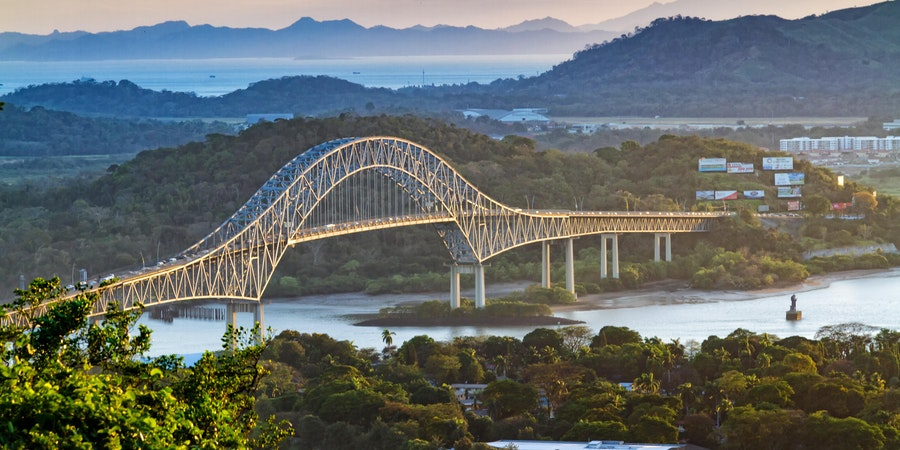 Bridge of the Americas (Photo: Milosz Maslanka/Shutterstock.com)