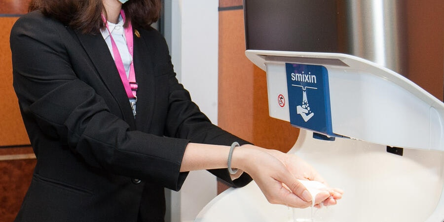 Automatic hand-washing station on Explorer Dream (Photo: Dream Cruise Line)