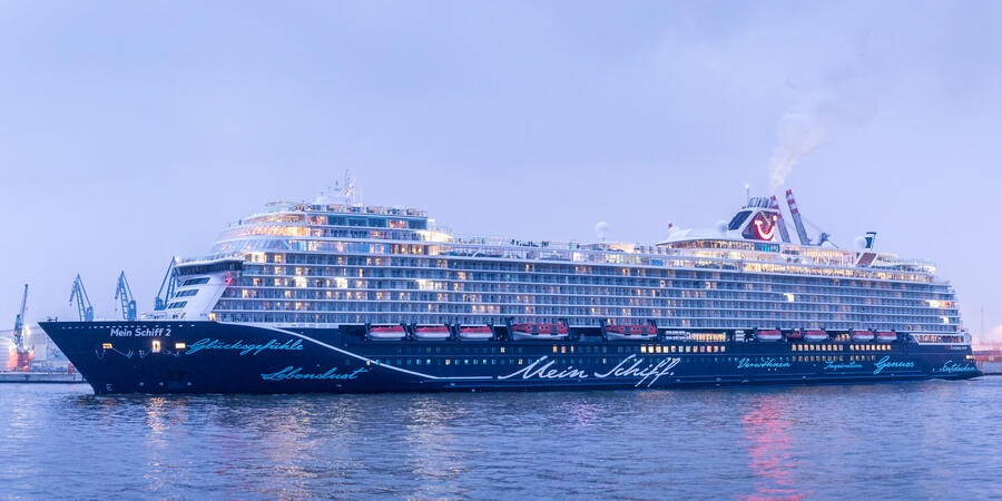 Cruise Ships Begin Sailing in Germany; Follow Cruise Critic Member's Live Report
