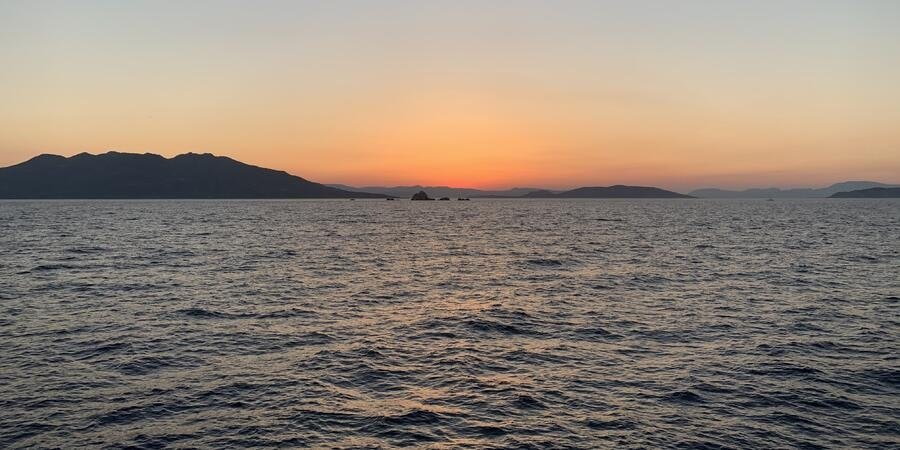 Sunset in Greece (Photo: Adam Coulter/Cruise Critic)