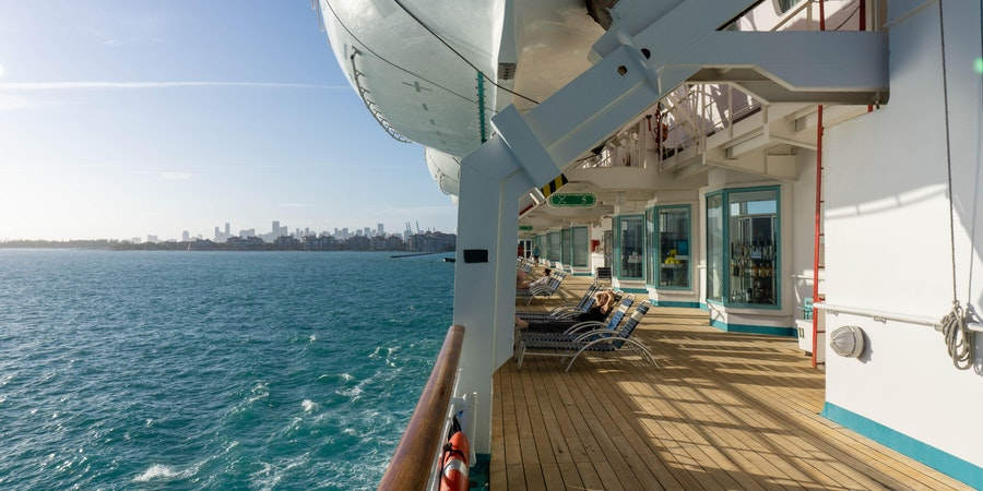 Exterior deck on Empress of the Seas (Photo: Aaron Saunders/Cruise Critic)