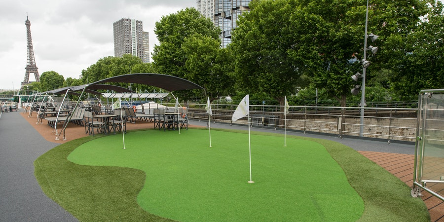 The Putting Green on Tauck's ms Sapphire (Photo: Cruise Critic)