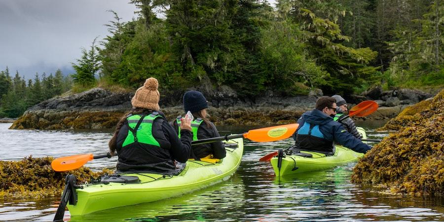 Kayaking in  Alaska ( Photo by  Aaron  Saunders)
