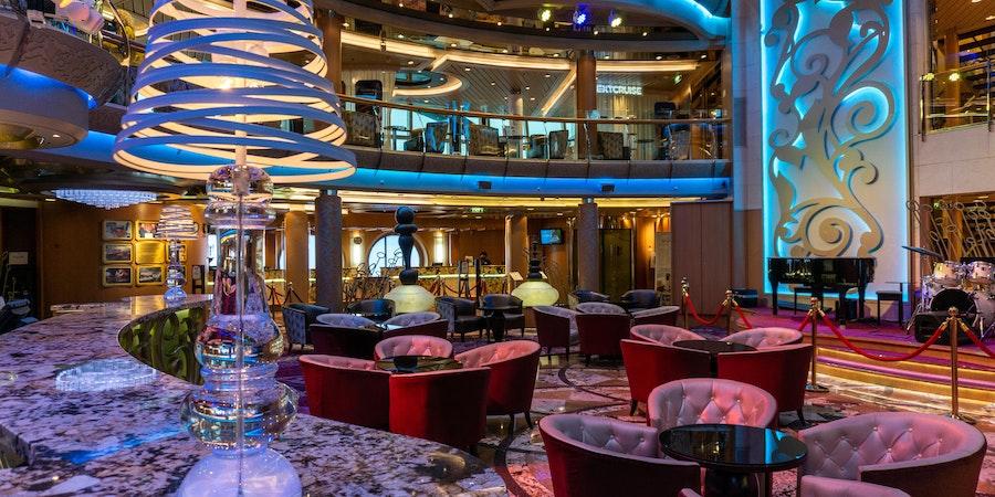 R  Bar on  Seernade of the  Seas ( Photo by  Aaron  Saunders)