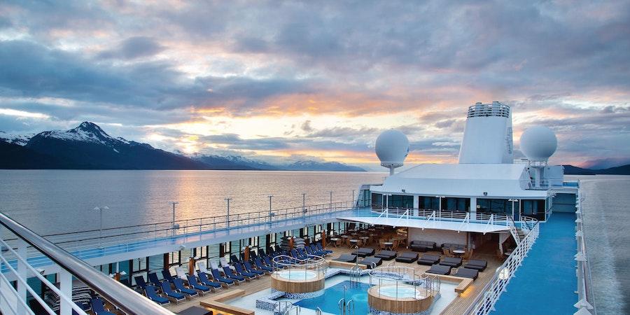"Vaccines are ""Deciding Factor"" in Cruise Booking Surges, Norwegian Exec Says"