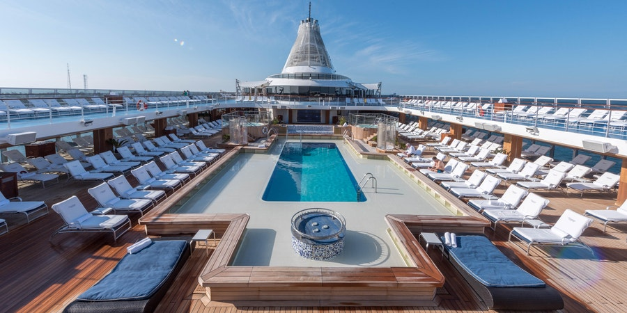 What to Wear on a Luxury Cruise