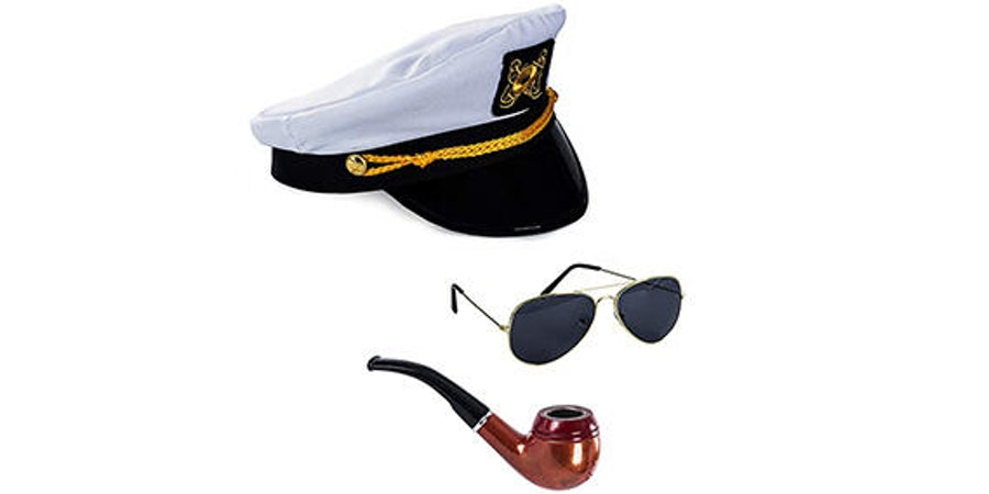 Cruise Captain Costume Set (Photo: Amazon)