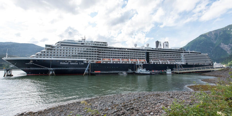 What to Expect on a Cruise: Booking a Cruise