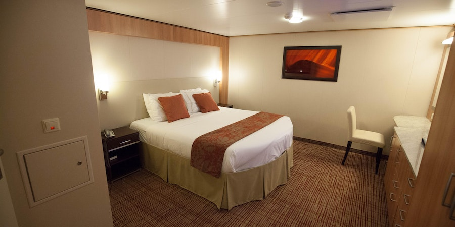 The Accessible Inside Cabin on Celebrity Reflection (Photo: Cruise Critic)