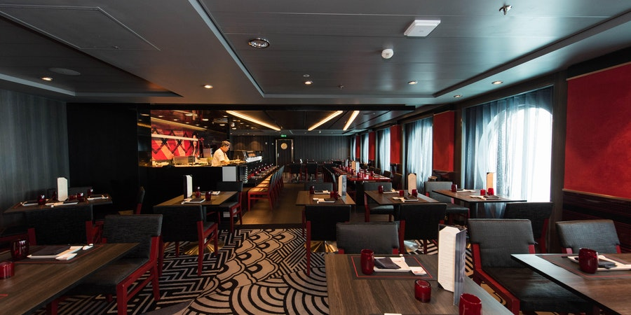 Izumi Hibachi & Sushi on Oasis of the Seas (Photo: Cruise Critic)