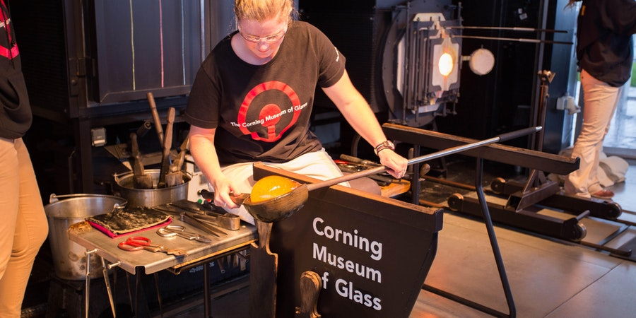 Hot Glass Show on Celebrity Solstice (Photo: Cruise Critic)